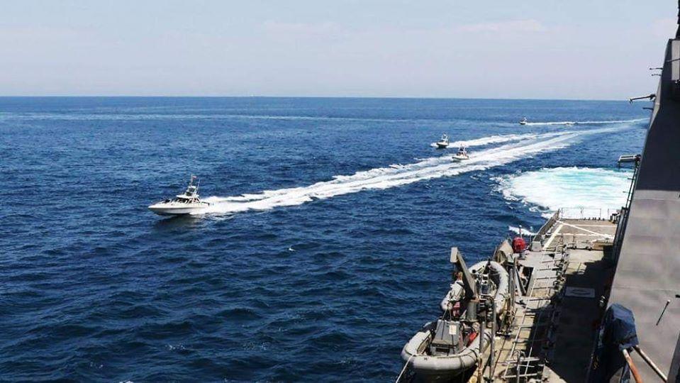 ပင်လယ်ကွေ့ရှိ အမေရိကန်စစ်သင်္ဘောတွေကို တိုက်ခိုက်ဖျက်ဆီးပစ်မယ်လို့ အီရန်ခြိမ်းခြောက်