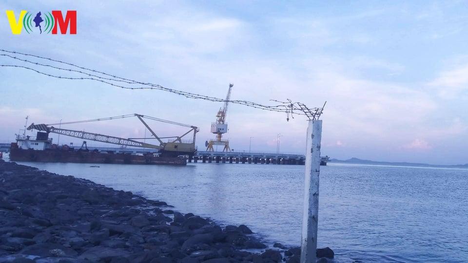ဘင်္ဂလားပင်လယ်အော်ဆိုင်ကလုန်းမုန်တိုင်းကြောင့် ရခိုင်က ရေကြောင်းခရီးစဉ်တချို့ ရပ်နားထား