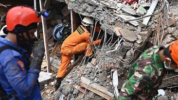 အင်ဒိုနီးရှား မြေငလျင်ကြောင့် သေဆုံးသူ ၄၀ ကျော်ထိရှိလာ