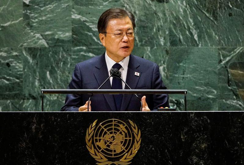 ကိုရီးယားစစ်ပွဲ တရား၀င်အဆုံးသတ်ဖို့ တောင်ကိုရီးယားသမ္မတ တိုက်တွန်း