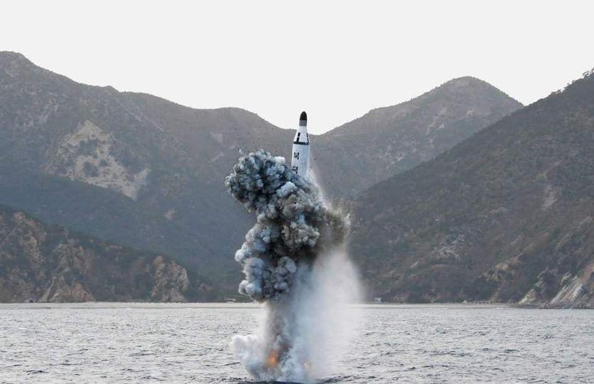 ရေငုပ်သင်္ဘောမှ ပစ်ခတ်နိုင်တဲ့ ပဲ့ထိန်းဒုံးပျံ မြောက်ကိုရီးယား စမ်းသပ်ပစ်ခတ်