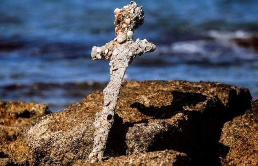 လွန်ခဲ့တဲ့နှစ် ၉၀၀ က ခရူးဆိတ်သူရဲကောင်းတဦးရဲ့ဓါး အစ္စရေးကမ်းလွန်မှာ တွေ့ရှိ